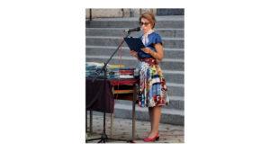 г-жа Николова - тържество по случай дипломирането на випуск 2021